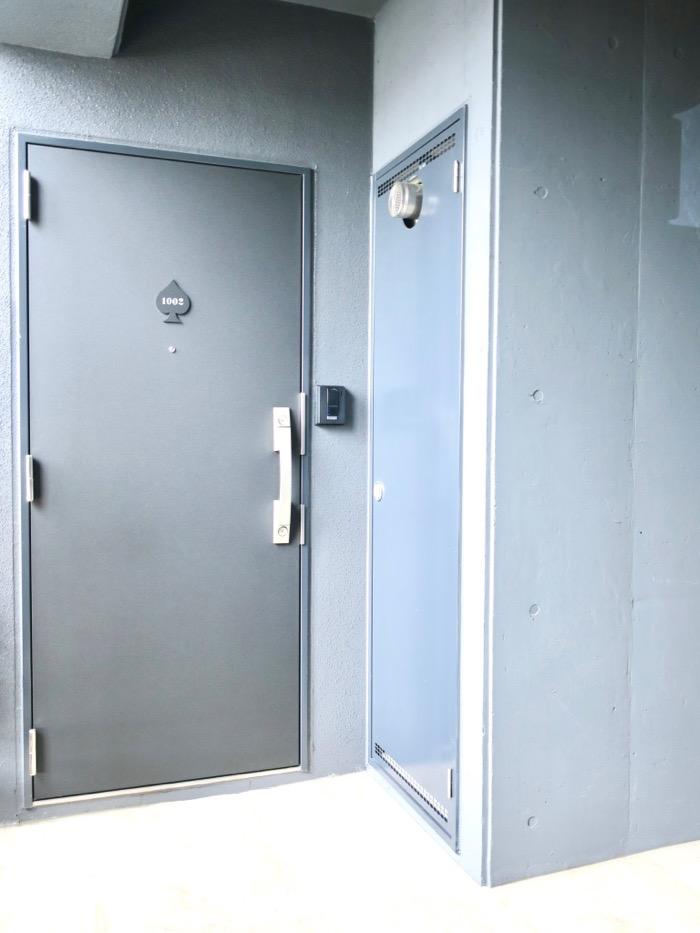 玄関。とってもクールです。MAISON APADE(メゾン スペード)0