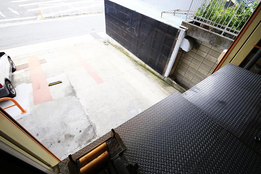 【バイクガレージNAGOYA】二階_二階から外への眺望_MG_7583