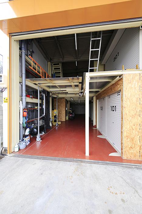 【バイクガレージNAGOYA】一階_一階部分・二階部分を外から_MG_7788