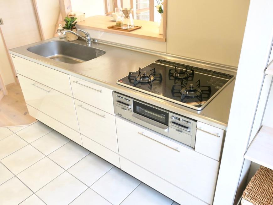 キッチン台もお洒落で可愛い。神田ヴィレッジ中川