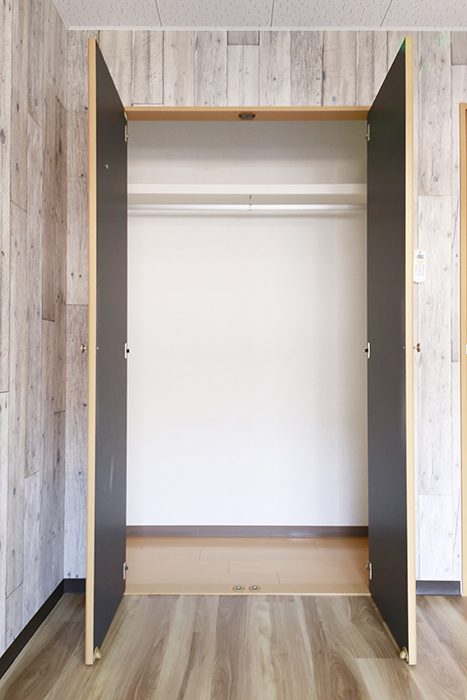 【NEXTAGE B】205号室_洋室2_クローゼット収納_MG_0467