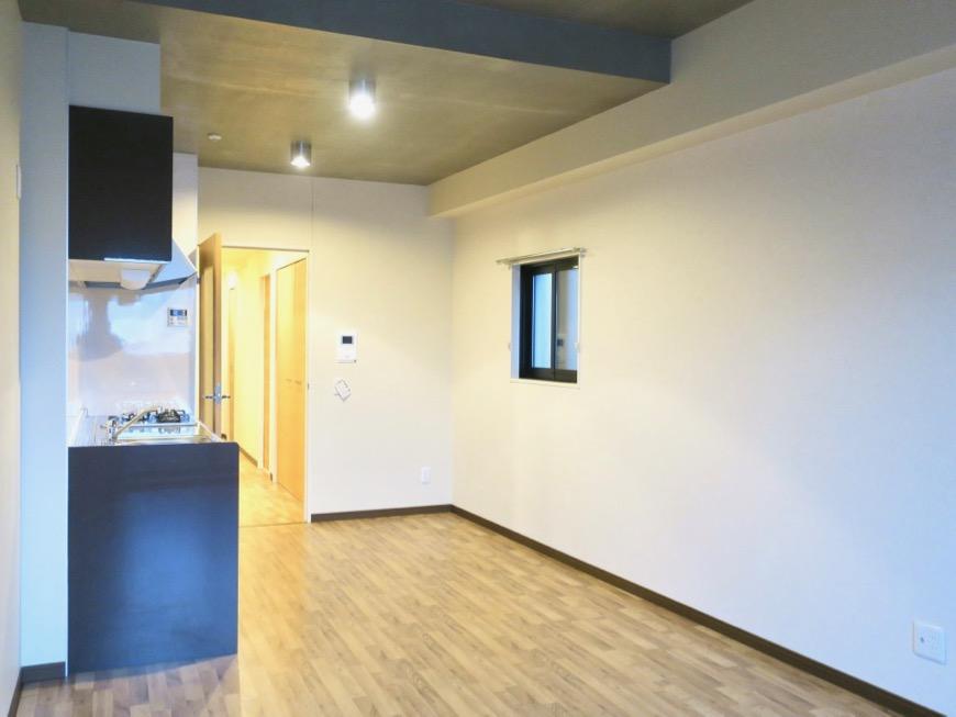 13.1帖のLDK ヴィンテージオークの床がかっこいい。N APARTMENT (N アパートメント 901号室)2