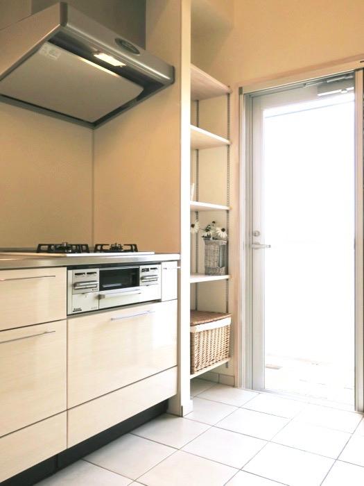 キッチン。モダンなタイルが広がるゆったりキッチン。神田ヴィレッジ中川