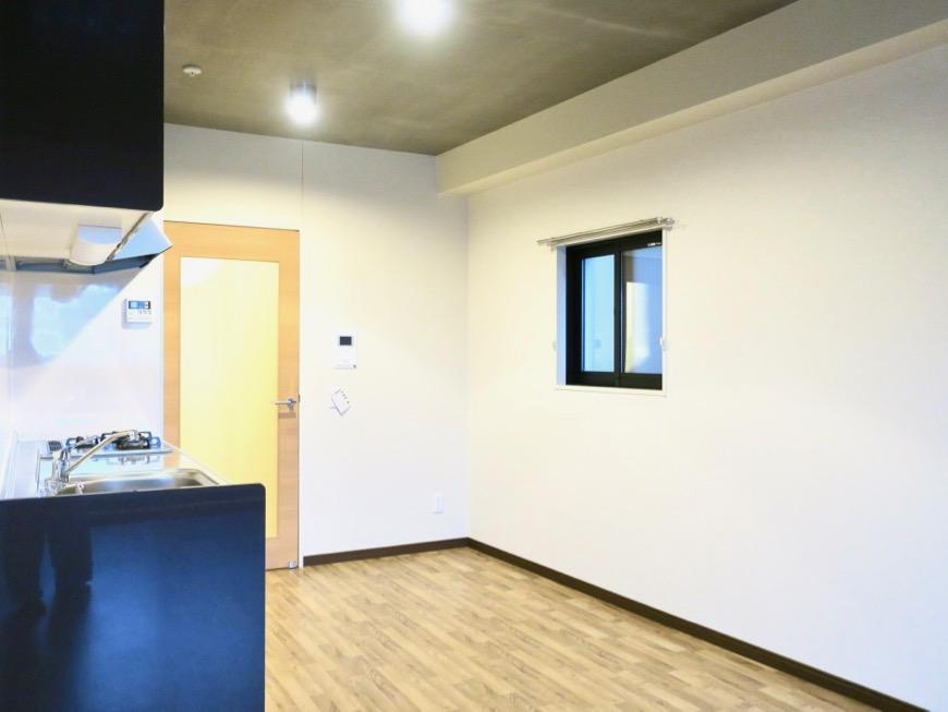 13.1帖のLDK ヴィンテージオークの床がかっこいい。N APARTMENT (N アパートメント 901号室)7