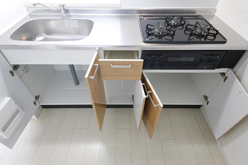 【フェリーチェ】405号室_キッチン周り_足もと収納_MG_9991