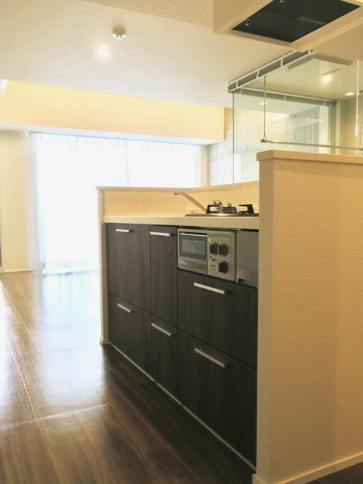 キッチン。コレクション名駅Ⅲ 405号室 鉄男鉄子さん、電車が大好きな人のためのお部屋。0
