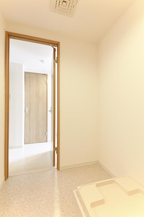 【フェリーチェ】405号室_水周り_室内洗濯機置き場_MG_9761
