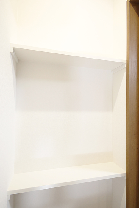 【Garage Villa Yonezu】105号室_階段部の棚_MG_1209