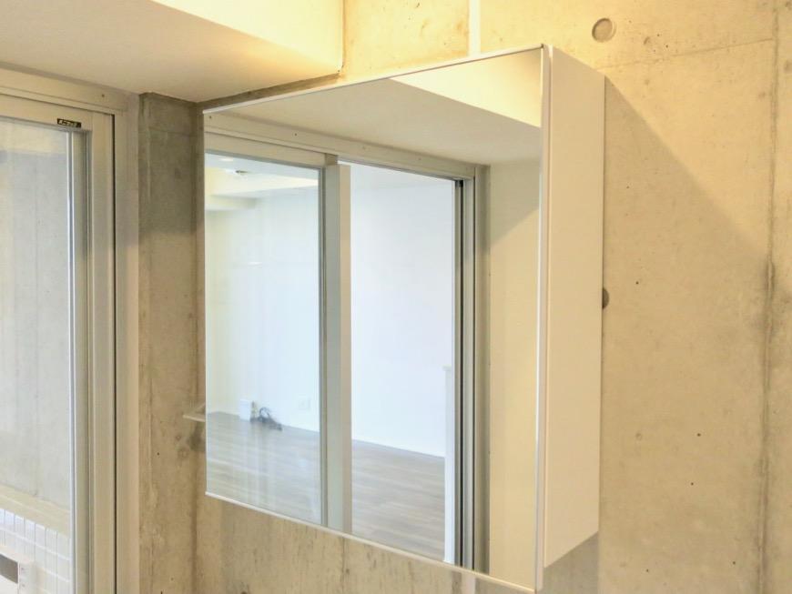バスルーム。コレクション名駅Ⅲ 405号室 鉄男鉄子さん、電車が大好きな人のためのお部屋。0