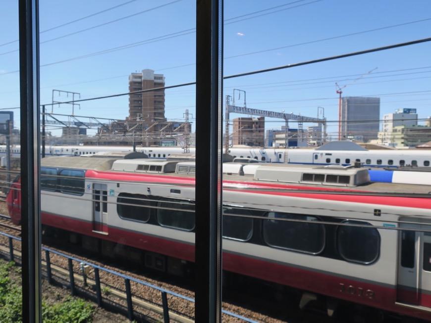 電車が見える部屋。コレクション名駅Ⅲ 405号室 鉄男鉄子さん、電車が大好きな人のためのお部屋。3