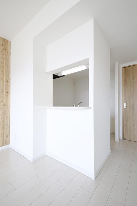 【フェリーチェ】405号室_キッチン周り_半個室のキッチン_MG_9938