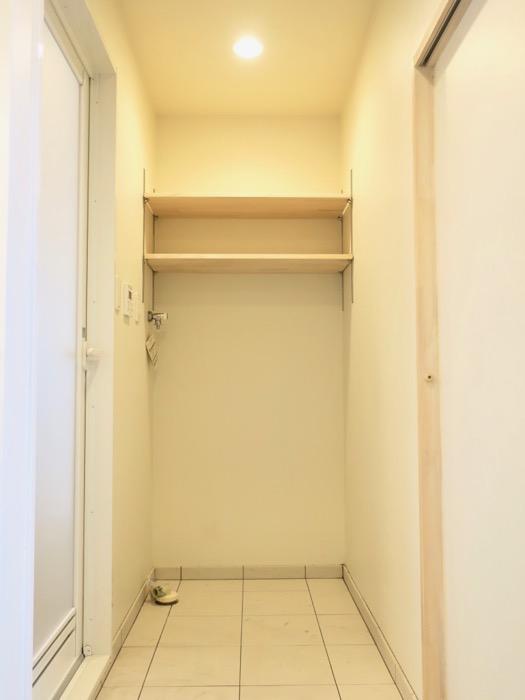 モザイクタイルが素敵なサニタリールーム。神田ヴィレッジ中川702号室4