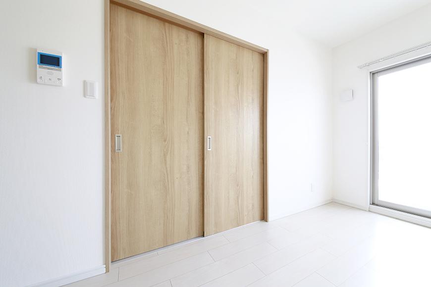 【フェリーチェ】405号室_リビングから洋室へ_MG_9926