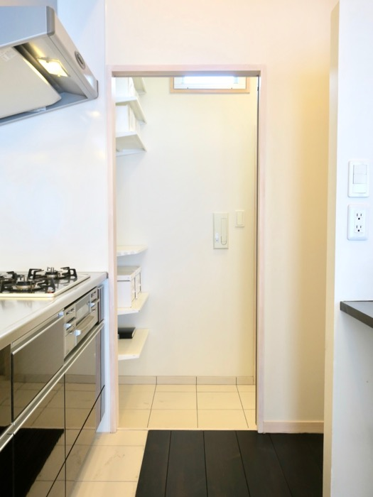生活導線がきれいなキッチン周り。神田ヴィレッジ中川702号室8