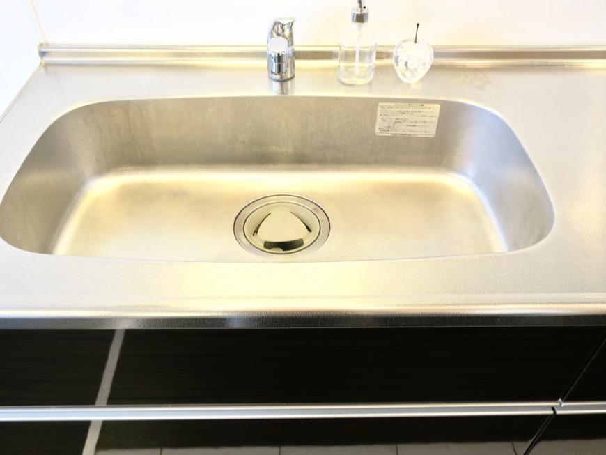 生活導線がきれいなキッチン周り。神田ヴィレッジ中川702号室1
