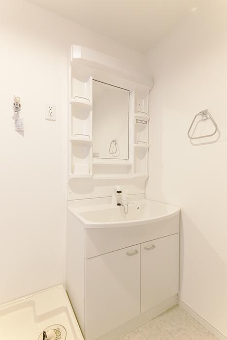 【フェリーチェ】405号室_水周り_独立洗面台_MG_9738