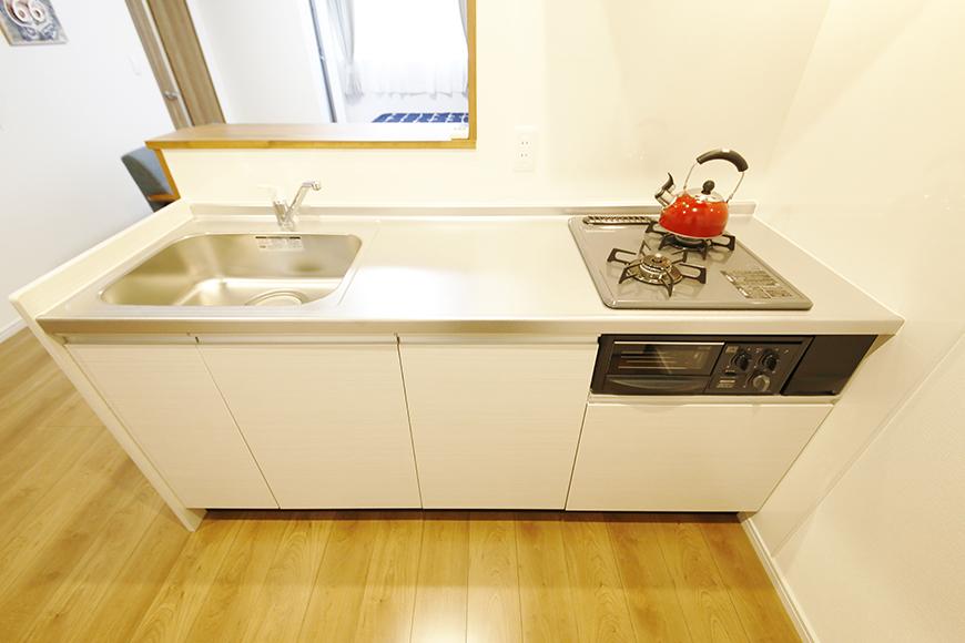【Garage Villa Yonezu】105号室_キッチン周り_全景_MG_1037