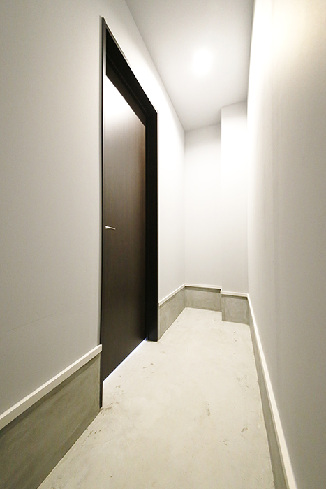 【Garage Villa Yonezu】101号室_ガレージ_収納_MG_1285