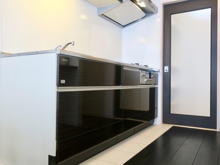生活導線がきれいなキッチン周り。神田ヴィレッジ中川702号室0