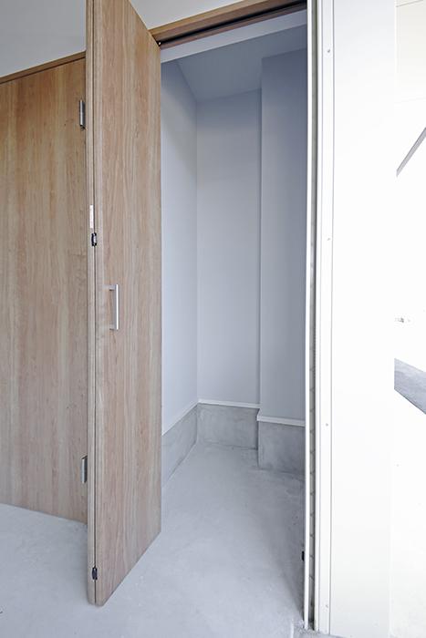 【Garage Villa Yonezu】105号室_ガレージ_収納_MG_0783