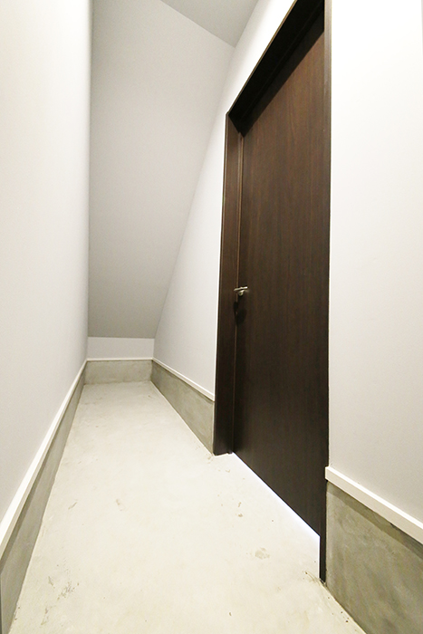 【Garage Villa Yonezu】101号室_ガレージ_収納_MG_1274