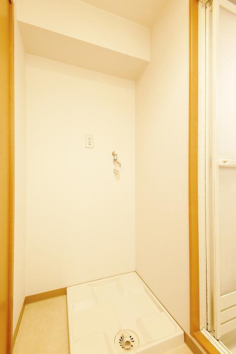 【ジョイ桜本町】104号室_水周り_室内洗濯機置き場_MG_2098