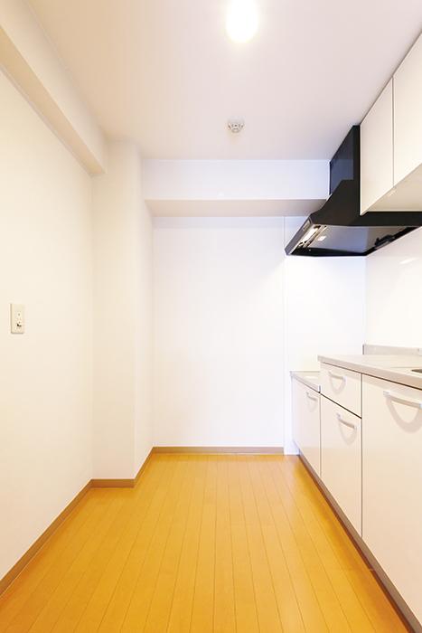 【ジョイ桜本町】104号室_キッチン周り_MG_2261