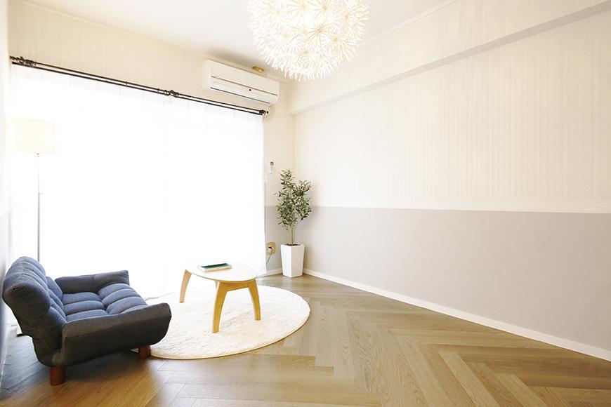 【キャッスル東栄】B棟302号室_LDK_明るい窓際にソファを_MG_0574