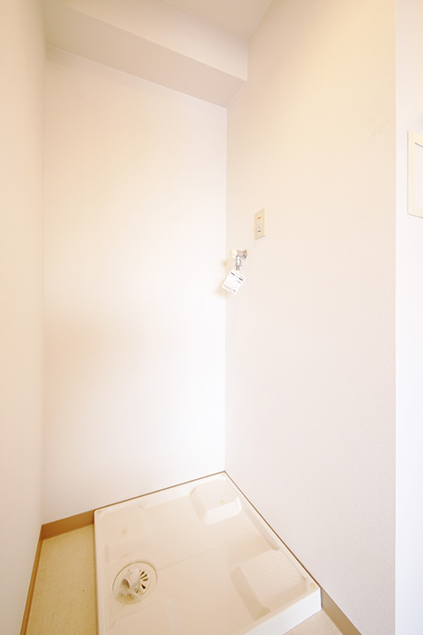 【ジョイ桜本町】301号室_水周り_室内洗濯機置き場_MG_2514