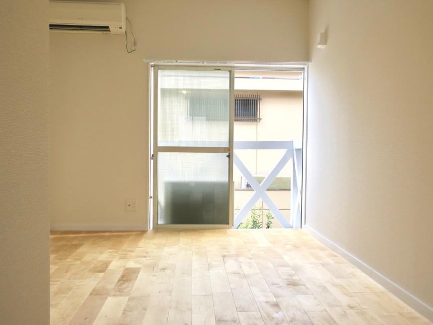 パーチ(白樺)の無垢の床。TOMOS メイプルハウス201号室5