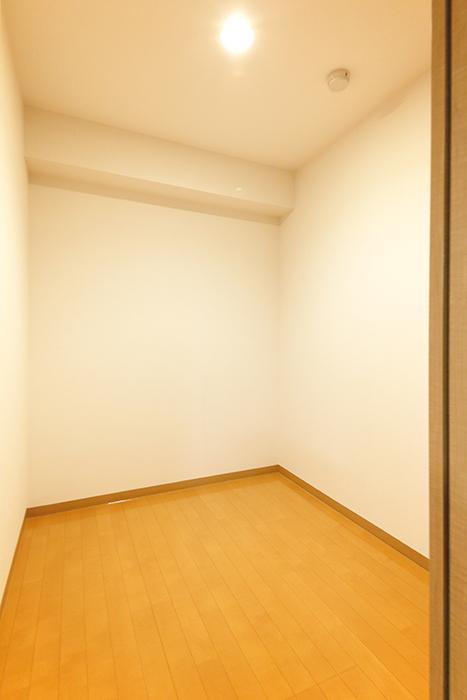 【ジョイ桜本町】107号室_LDK_サービスルーム_MG_1830
