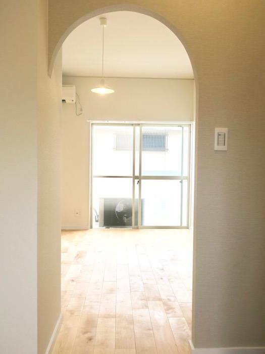 玄関。TOMOS メイプルハウス201号室3