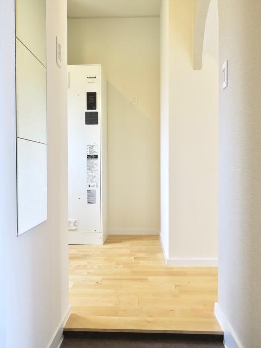 玄関。TOMOS メイプルハウス201号室0