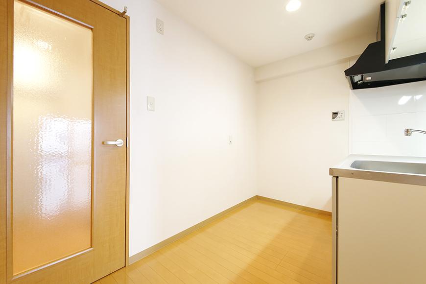 【ジョイ桜本町】107号室_LDK_キッチン周り_MG_1798
