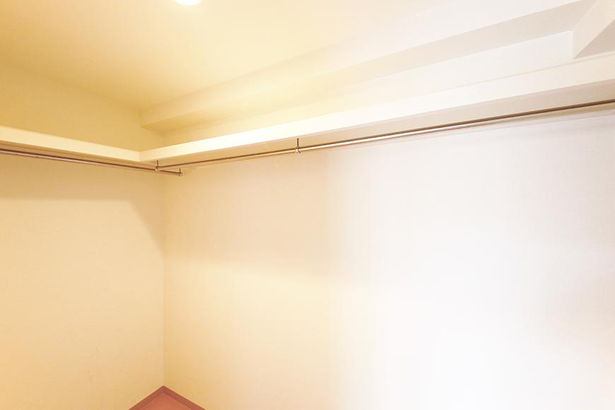 【ジョイ桜本町】104号室_洋室_ウォークインクローゼット_MG_2189
