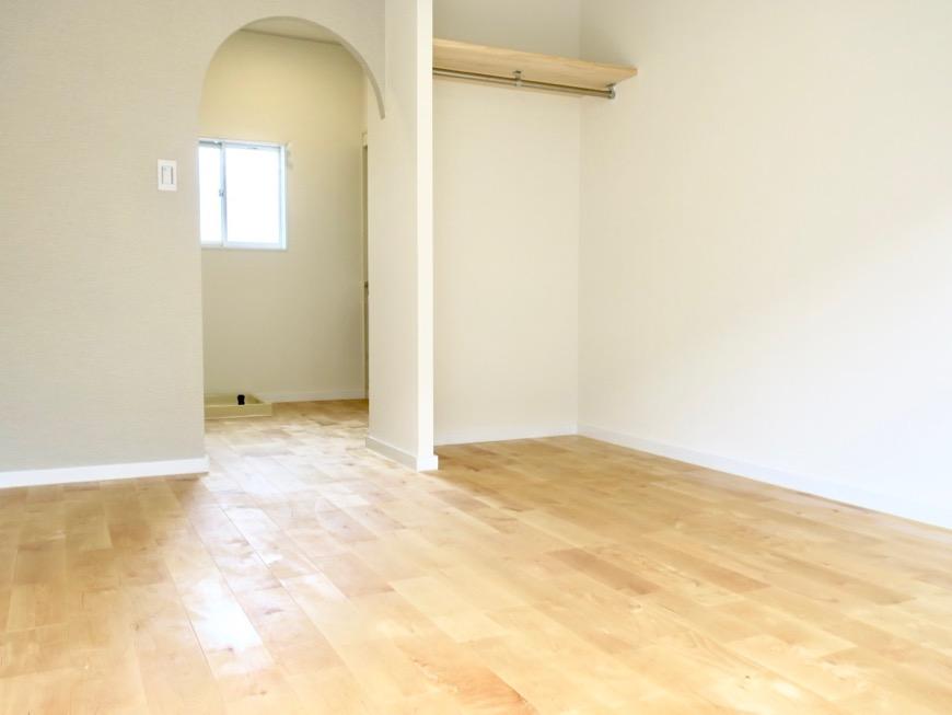 パーチ(白樺)の無垢の床。TOMOS メイプルハウス201号室6