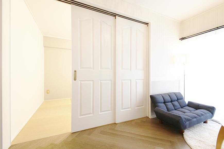 【キャッスル東栄】B棟302号室_和室とLDKの仕切り扉_MG_0650