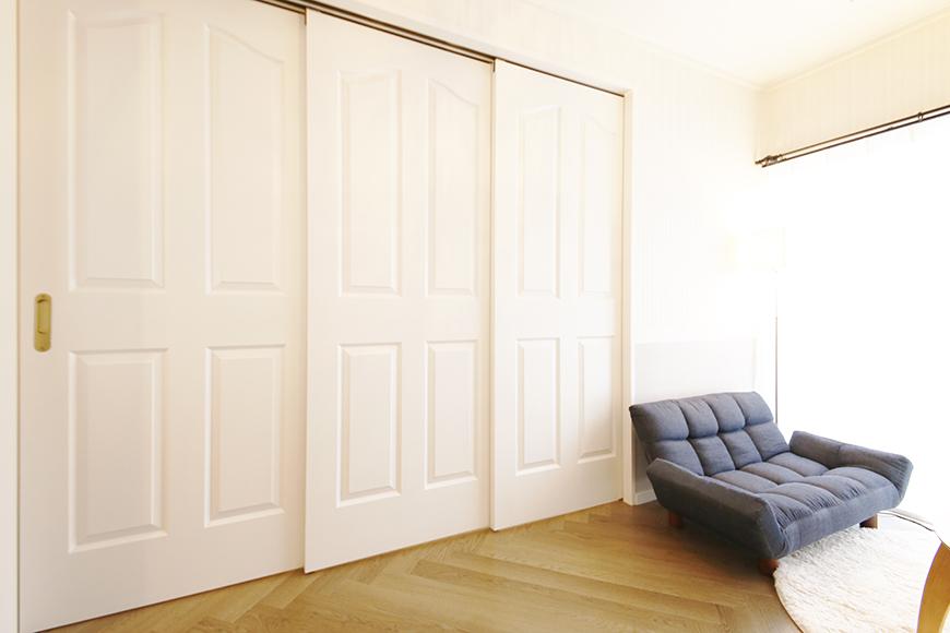 【キャッスル東栄】B棟302号室_和室とLDKの仕切り扉_MG_0652