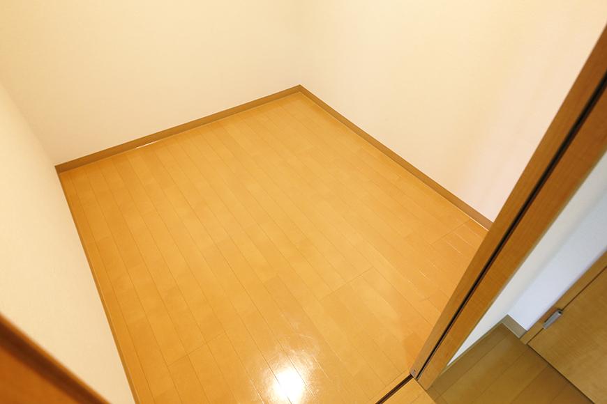 【ジョイ桜本町】107号室_LDK_サービスルーム_MG_1825
