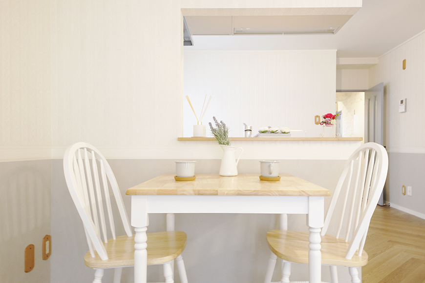 【キャッスル東栄】B棟302号室_LDK_キッチンそばにダイニングテーブルを_MG_0747