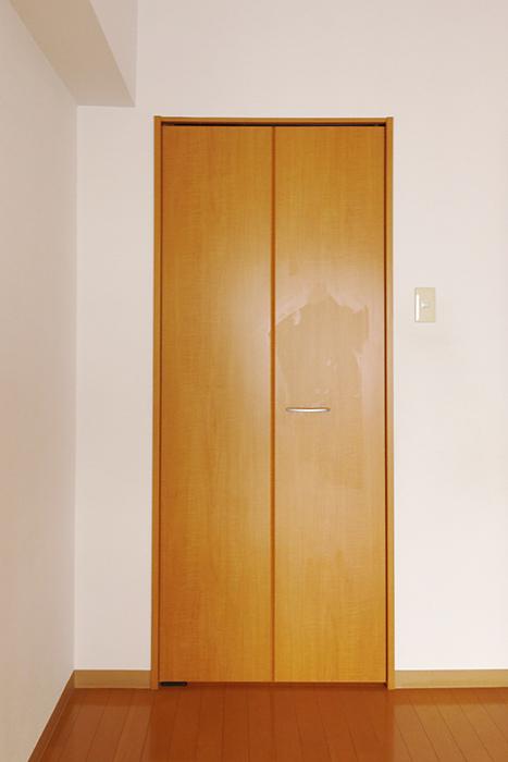 【ジョイ桜本町】107号室_洋室_ウォークインクローゼット_MG_1945
