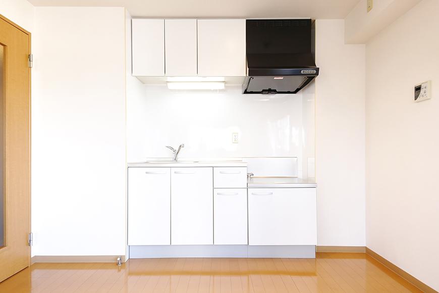 【ジョイ桜本町】301号室_キッチン周り_MG_2443