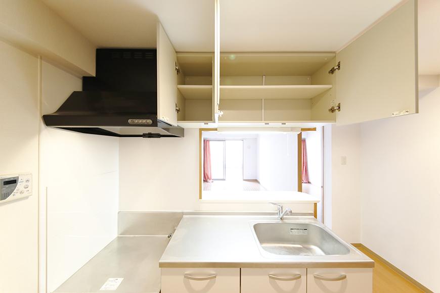 【ジョイ桜本町】107号室_LDK_キッチン周り_頭上収納_MG_1794