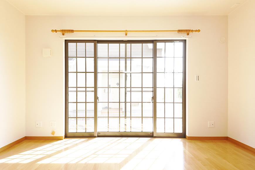 常滑【ゲーブルルーフ】102号室_1階_南側の窓_MG_4157