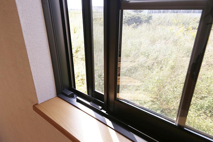 常滑【ゲーブルルーフ】102号室_1階_窓は全て二重サッシ__MG_4195