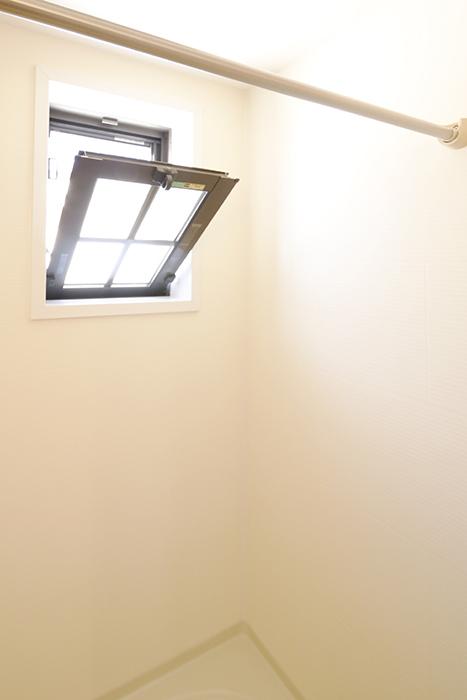 常滑【ゲーブルルーフ】102号室_2階_パウダールーム(水周り)_バスルーム_MG_4139