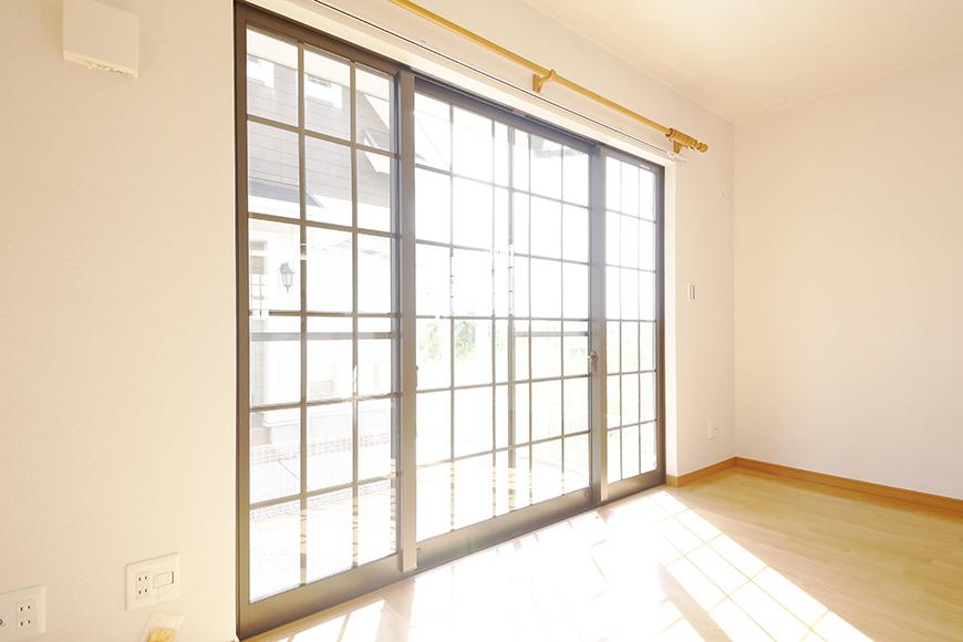 常滑【ゲーブルルーフ】102号室_1階_南側の窓_MG_4167