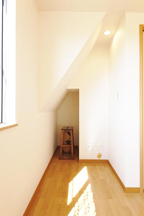 常滑【ゲーブルルーフ】102号室_2階_収納_MG_3944