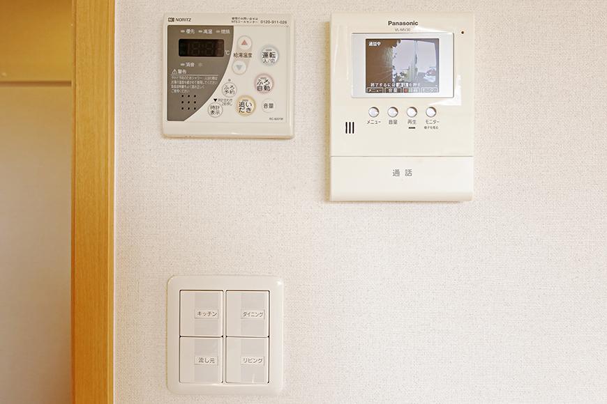 常滑【ゲーブルルーフ】102号室_1階_LDK_TVモニタ付インターフォン_MG_4258