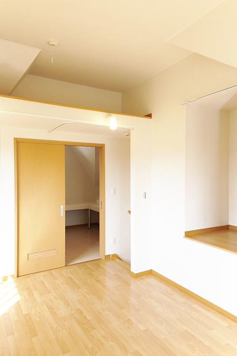 常滑【ゲーブルルーフ】102号室_2階_洋室の天井高_MG_4453
